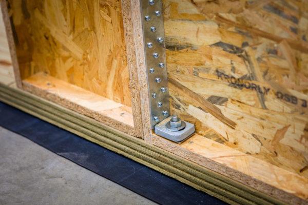 équerre d'ancrages mise en oeuvre blocs modulaires constructions bois écologique