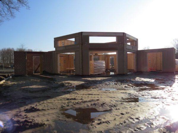 chantier préfabrication bois blocs modulaires préparé et anticipé