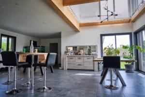 maison bois vide sur séjour